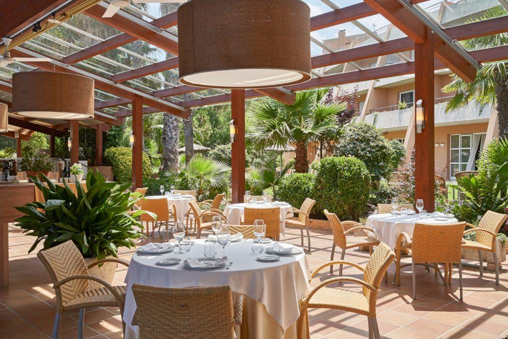 Obrim el 5 de juny amb les nostres àmplies sales i espais oberts de que disposa Hotel Sa Punta Restaurant gastronòmic